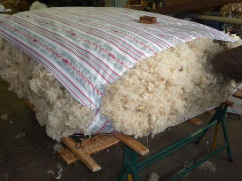 Fabrication ou r fection de matelas de laine sur mesure en auvergne - Matelas en laine prix ...